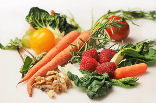 Gemüse, Bild von Devon Breen auf Pixabay, 500px_Kersten Sitte, www.essbarewildpflanzen.at