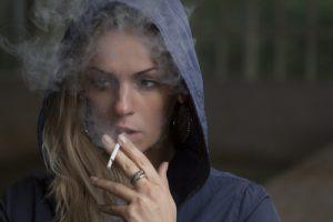 rauchen, Bild von Free-Photos auf Pixabay, 500px_Kersten Sitte, www.essbarewildpflanzen.at
