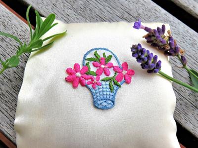Kräuterkissen, Bild von Monika Schröder by pixabay © Kersten Sitte, www.essbarewildpflanzen.at